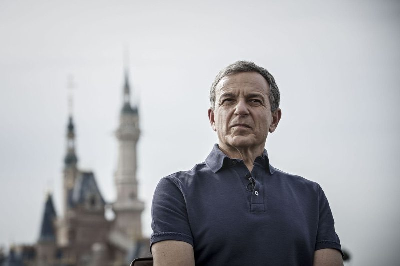Disney CEO's Board Seat 'at Risk' With Apple Planning to Launch Video Service